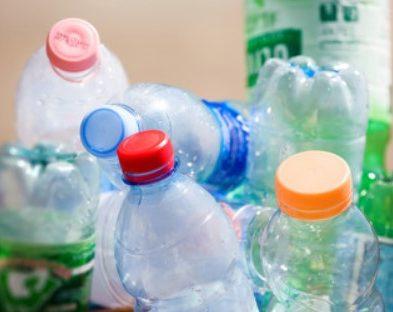 Jak wygląda recykling butelek PET? – Fabryki w Polsce